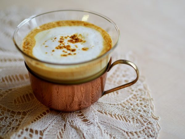 https://pixabay.com/en/hot-drink-cream-cup-golden-milk-3108893/